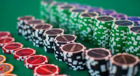 Tips for Playing Domino at the Online Casino Websites